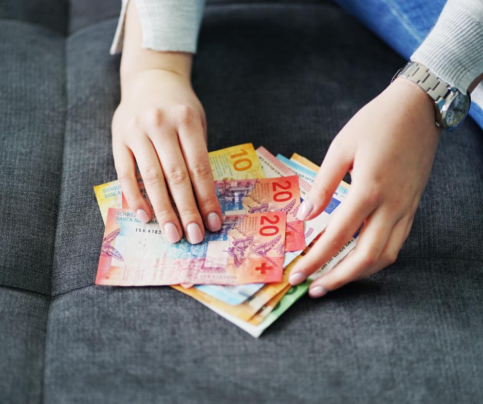 Kredyt denominowany a indeksowany – różnice